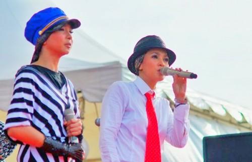 Duo Maia saat konser musik di Banda Aceh